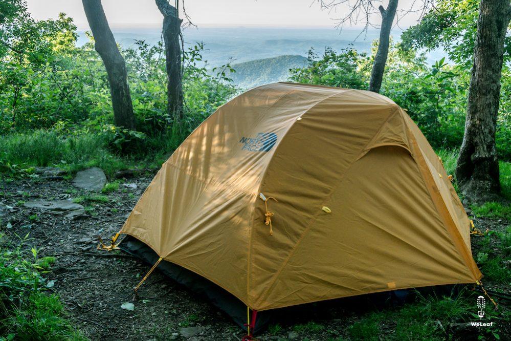 Een hangmat of tent op een trektocht?