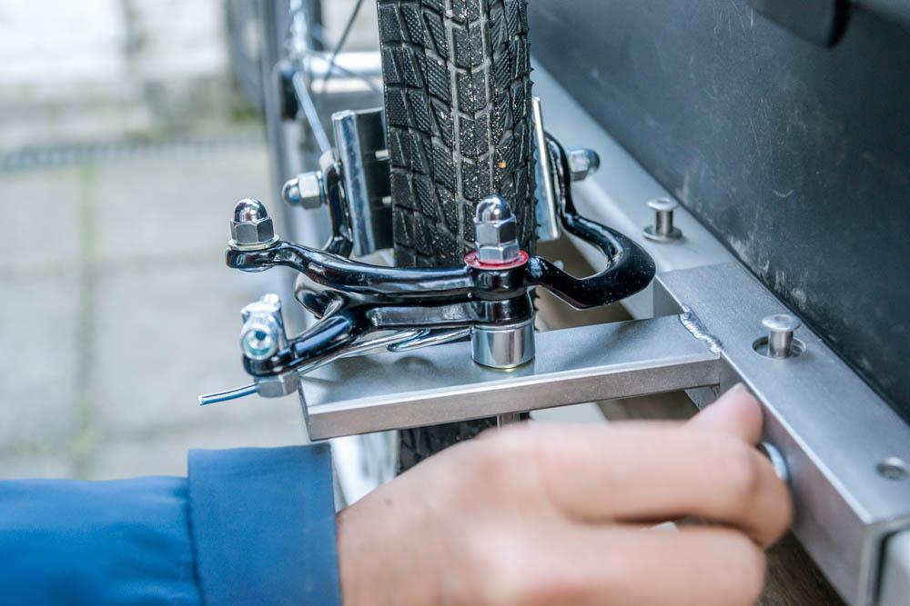 v-brake bicycle