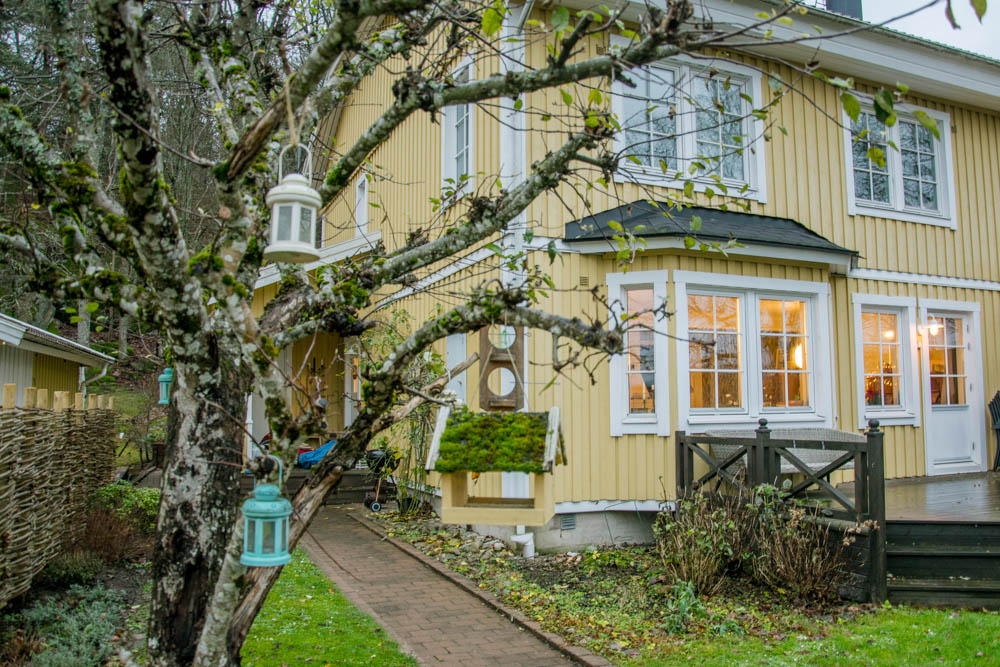 yellow house in Sweden